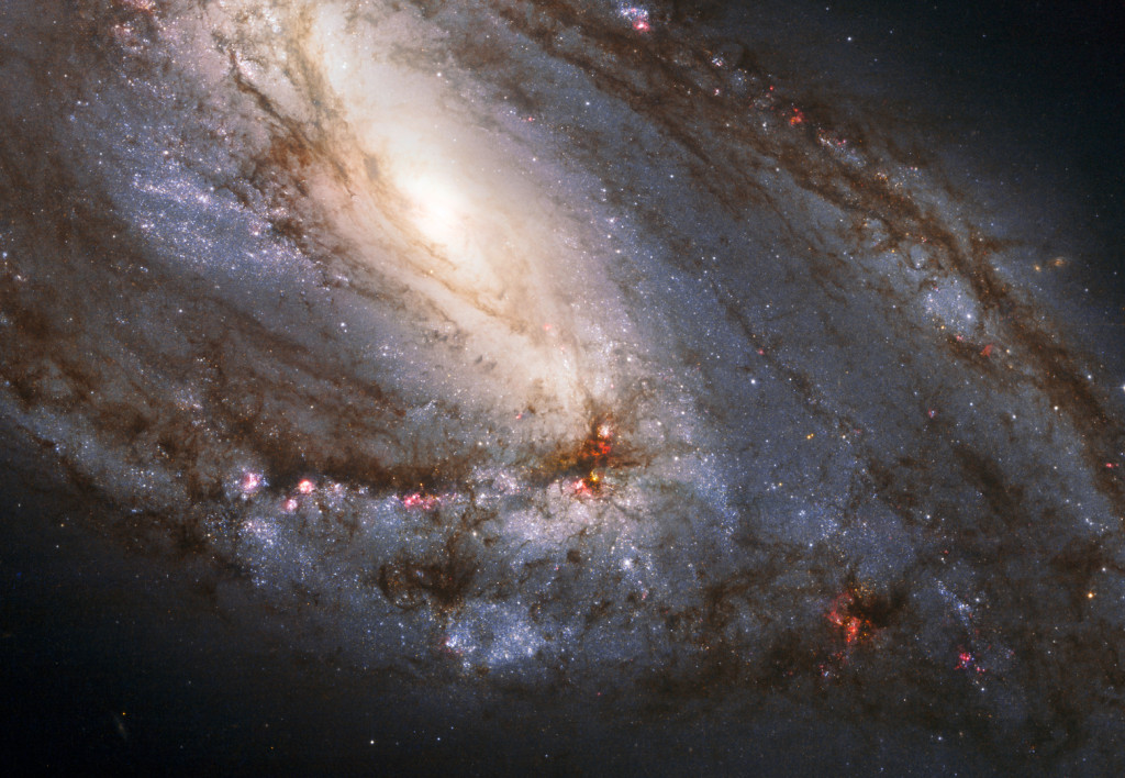 Hubble_Snaps_Heavyweight_of_the_Leo_Triplet