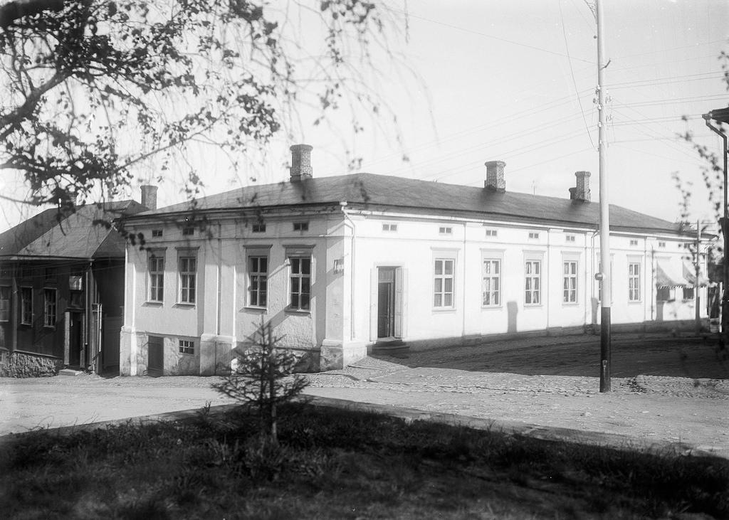 barsokevitsch_kuhmu_B2448