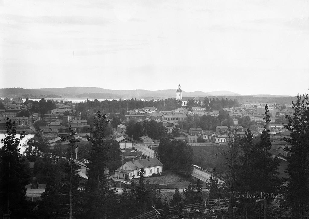 Historiaa: Vanhoja kuvia Kuopiosta tehtävinä