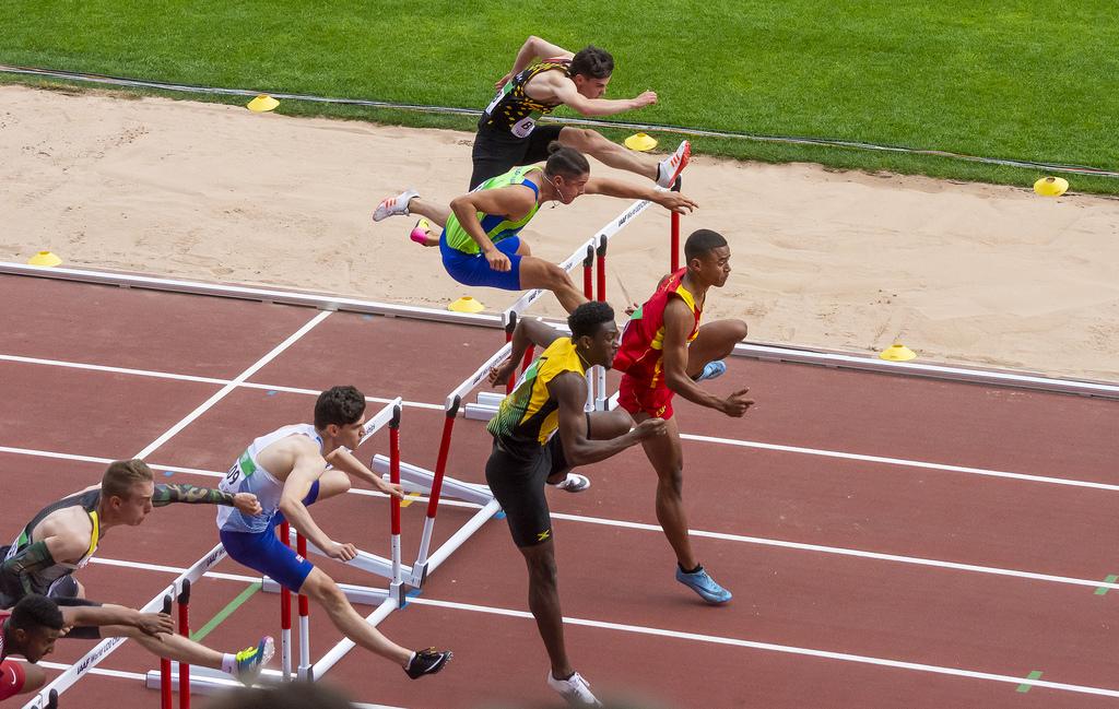 Miehet 110 m; semifinaali