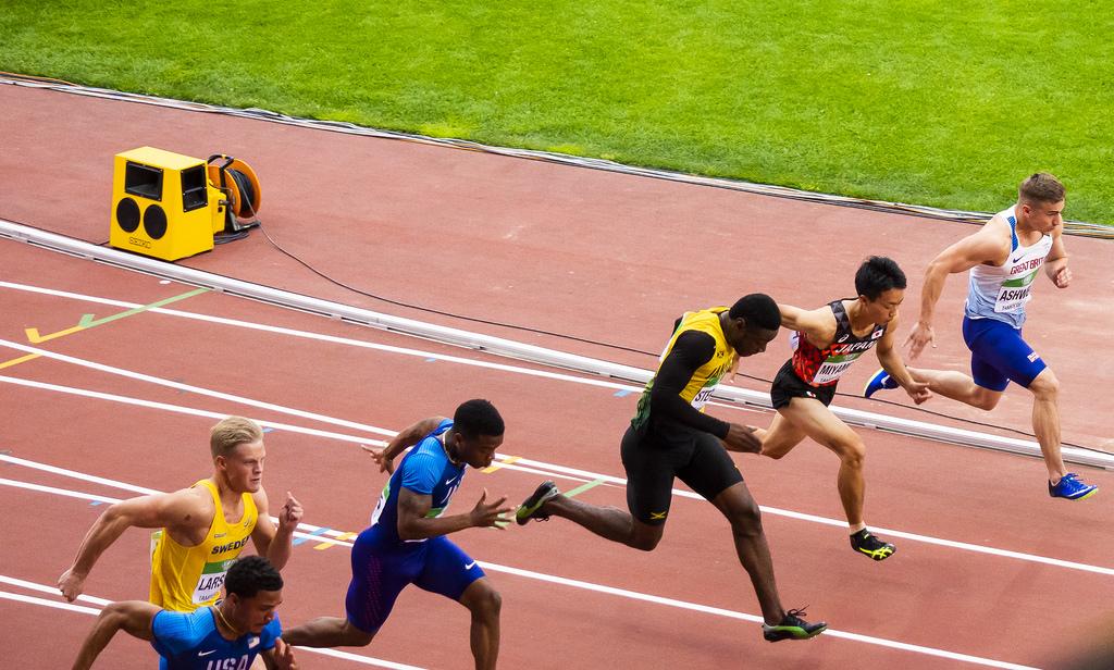 Miehet 100 m; finaali