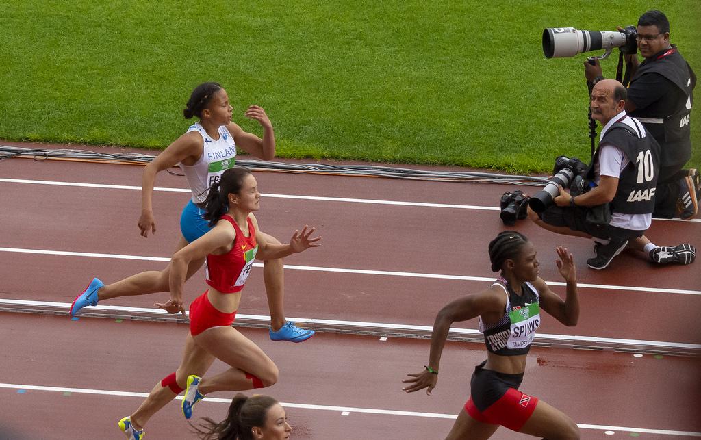 Naiset 100 m; semifinaali