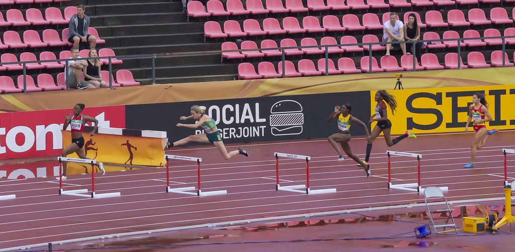 Naiset 400 m aidat; finaali