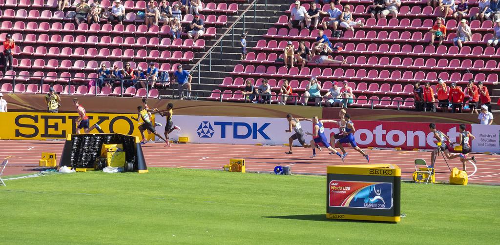Miehet 4 x 100 m; finaali