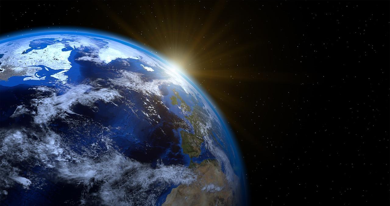 Maapallon kiertoliike Auringon ympäri ja vuodenajat