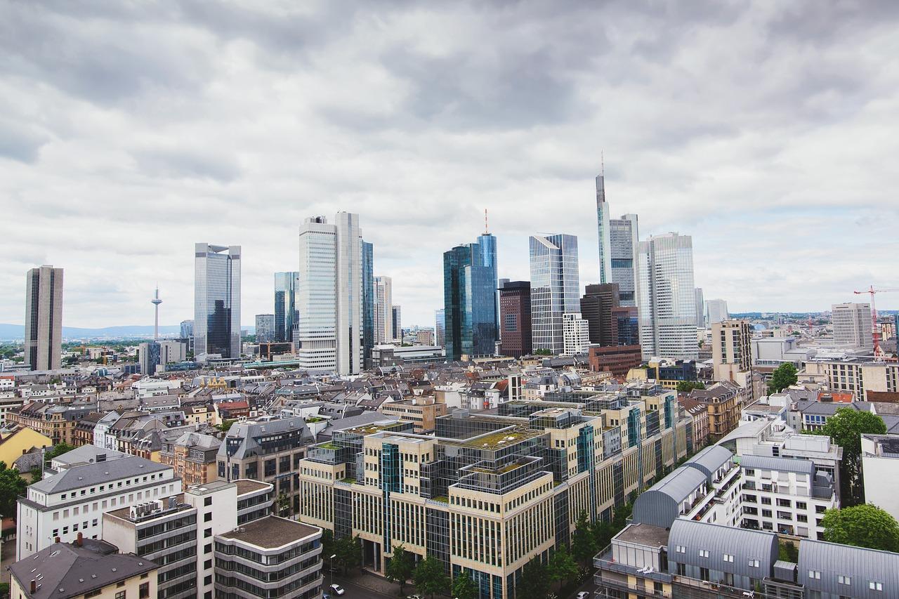 Kaupungit ja kaupungistuminen