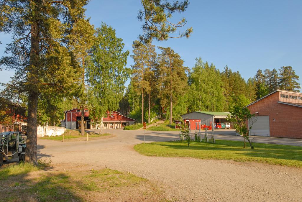 Muuruvesi; Maatalouskoulu 17.6.2008 -1